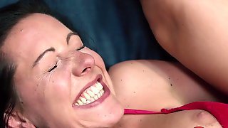 Texas Patti Gets Amazing Orgasm!