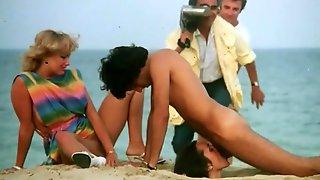 A Hottest Public Face Fucking Sex Scene On The Beach!