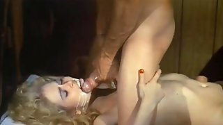 Retro Stunner Lays On Her Back And Gets Massive Facial