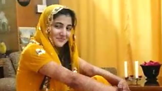 Hot Pakistani Girls Talking About Muslim Paki Sex In Hi