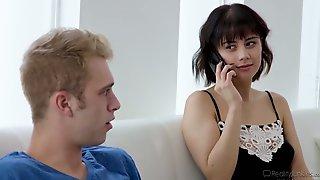 Yummy Brunt Housewife Penelope Reed Hooks Up With Boyfriends Best Friend