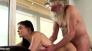 Old And Young Porn Teen Girlfriend Sucks Grandpa Cock Hard