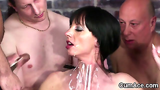 Randy Bombshell Gets Sperm Load On Her Face Swallowing