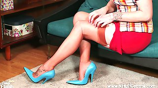 Blonde Babe Lucy Lauren Wanking In French Vintage Nylons Girdle Blue High Fetish Heels
