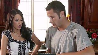 Brazzers - Milf Kortney Kane Gets Her Ass Fingured As She Makes Her Husband A Cuck