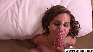 Naughty Mommy Gets Enormous Facial