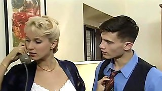 80s Bisexual Blonde Loves Having Classic Sex With Retro Lesbians And Fuckers