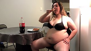 Chubbies Gf Cant Stop Eating Pizza