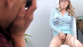 Old Lady Seduced Xander Into Penetrating Her Mature Pussy