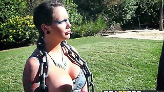 Ashton Pierce  Bonnie Rotten Share A Cock