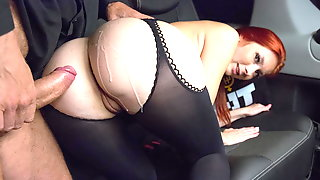Stunning Busty Redhead Lets Taxi Driver Cum