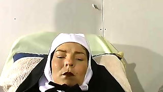 French Mature Nun Gyneco Piss Nonne Belle Soeur