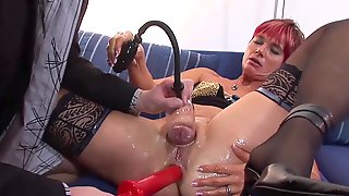 Oiled Cuddly Mom Gets Butt Fucking Pumped
