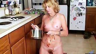 Meet Wild Mature Housewife Rosetta Who Combines Food Fetish And Masturbation