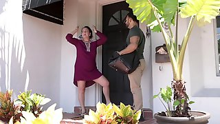 FamilyStrokes - Sexy Step Niece Fucked By Horny Uncle