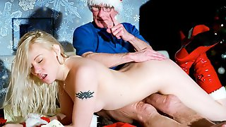 Xmas special hardcore fuck for grandpa from 2 young girls in hardcore sex