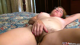 Amateur 59 Years Old Mature Whore Is Always Happy To Masturbate Herself