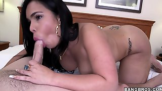 Brunette Nymph Servicing Juicy Male Pole Cock In Bed