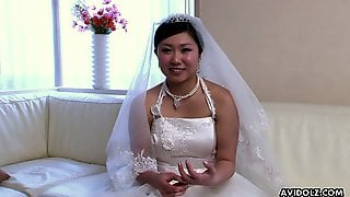 Naughty Japanese Bride Emi Koizumi Lets Dude Rub Her Clit And Play With Tits
