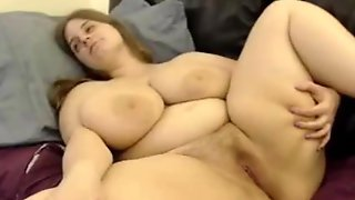 Huge Boobed Bbw Rubs Her Pussy In Front Of A Webcam