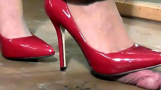 Shoejob Trample In Red Pumps