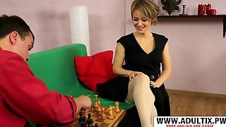 Sweet MILF Yulenka Porn Video