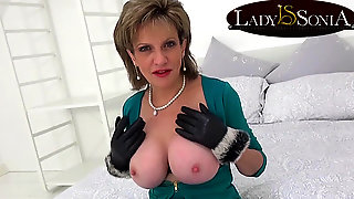 British Mature Lady Sonia Dirty Talk And Masturbating