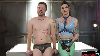 Sexy Latex Clad Ts Female Sucked Off