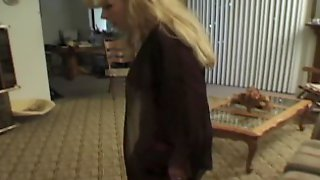 BIG ASS BLONDE RUSSIAN BOOTY CATCHES HER BLACK BBC BULL CUM ALL IN MOUTH