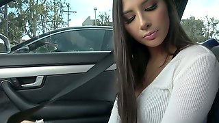 Juggy Brunet Babe Gianna Dior Gives A Legendary Blowjob In The Car