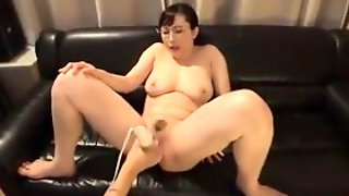 Stacked Japanese Mom Gets Her Wet Cunt Vibrated And Fucked