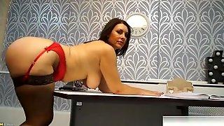 European Mature Sex With Cumshot