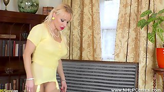 Big Tits Blonde Tara Spades Fingering Juicy Pussy In Girdle Nylons And Designer Heels