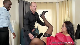 PrivateBlack - Wife Daphne Klyde Anal Pounded By BBC & Hubby