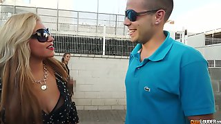 Colombian Bitch Alexa Blun Hooks Up With One Hot Blooded Kinky Dude