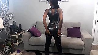 Sexy Ebony Woman In Shiny Leggings