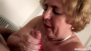 Mature Blonde Nurse Cathy Heaven Pounds Her Well Hung Patient