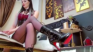 A Very Mean Cam Mistress And Goddess