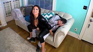 Jasmine Mendez Height Humiliation