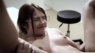 Sweet Honey Gets Her Pussy Pounded By Her Handsome Doctor On The Table
