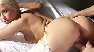Kinky Bad Mom Gets Sweet Cumshot From Stepson