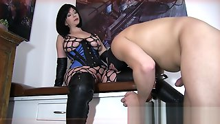 Beautiful Boots Ballbusting