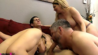 The Horny And Nasty Group With Amazing Victoria Voxxx Want To Have Sex Together