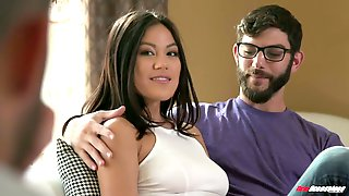 Gorgeous Hottie Kendra Spade Is Having Crazy Sex Fun With Two Hot Blooded Guys