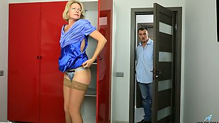 Blond Cougar Diana Gold Is Having Sex Fun With Young Dude Living Nextdoor