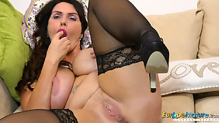 EuropeMaturE Horny Workday In The Office End Well
