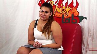 Casting A Una Ragazzina Peruviana BBW Di Nome Sharon. Un Po Di Domande Poi Inizia A Masturbarsi (parte Prima). Nella Seconda Parte Capitano Eric Le Farà_ Conoscere La Potenza Del Porno