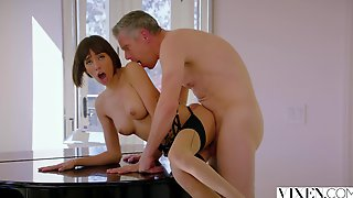 Janice Griffith Crazy Sex With Senior Cocky Daddy