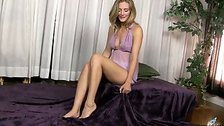 Horny Mommy Mona Wales Is Masturbating Her Delicious Wet Pussy On The Bed