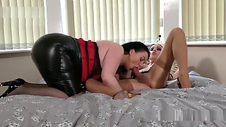 JOANNA JET & DEVON BREEZE - SHEMALE MEETS FEMALE 1 HD